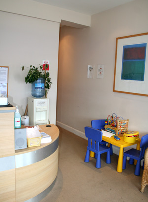 Dentists Reception in Raynes Park